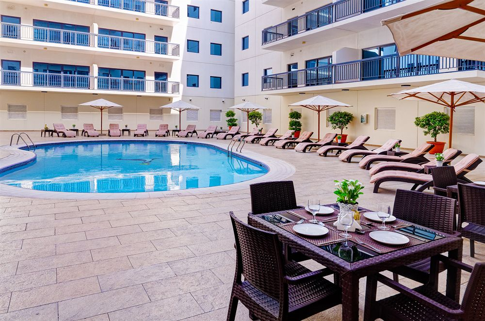khach-san-Golden-Sands-Hotel-Apartments-dubai-mixtourist